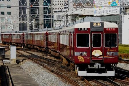 阪急6300