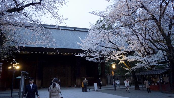 靖国神社&桜20140331-閉門後の