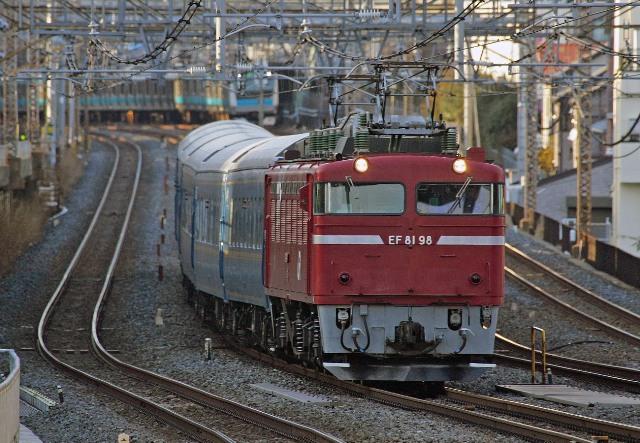 EF81-98 試9502レ