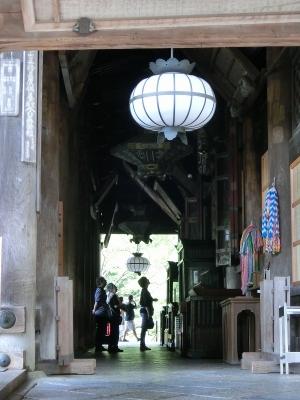 長谷寺 本堂入口
