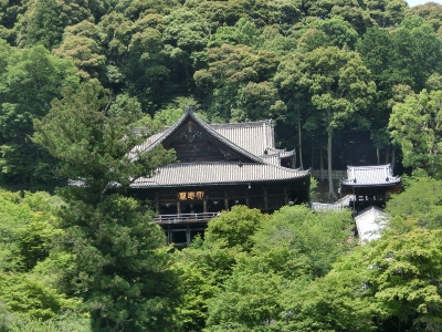 長谷寺 本堂を望む