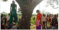 レイプされ木に吊るされたインド2少女