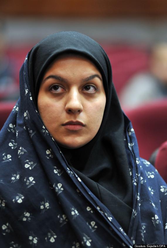 20141028テヘランで裁判中のイラン人女性レイハネ・ジャバリさん