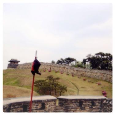 水原を華城の城郭をゆっくり歩く…。