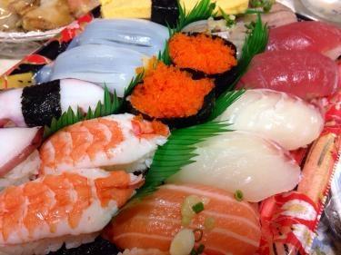 島で食べるお寿司^^お父さんが買ってきてくれました^^