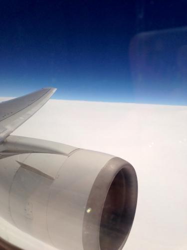 留学当日、日本からソウルへ向かう機内はドキドキ。