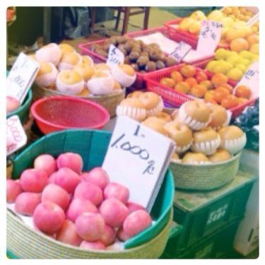 韓国でもいろんな果物が沢山売っています^^