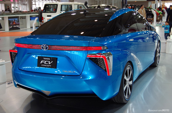 TOYOTA FCV rear view