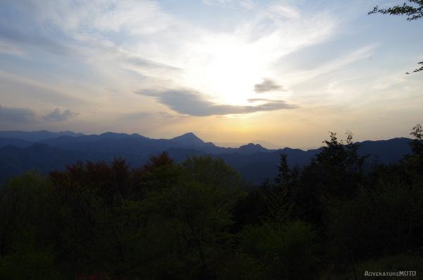『武甲山』
