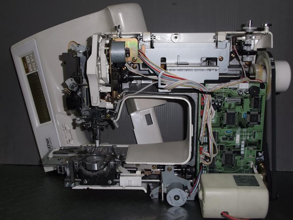 MOC2000-2.jpg