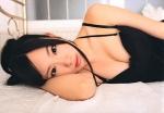 パイ射用 SKE48 矢神久美 誘惑 セクシー カメラ目線 おっぱいの谷間 ベッドの上 高画質エロかわいい画像67