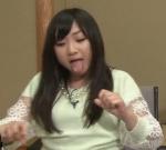ももクロ(ももいろクローバーZ) 有安杏果 セクシー 舌出し 食事顔 地上波キャプチャー エロかわいい画像5 エア擬似フェラ顔 デブ豚アイドルでも可愛い