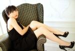 志田未来 セクシー 黒ドレス 生足 カメラ目線 壁紙サイズ 女優 高画質エロかわいい画像2