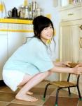 志田未来 セクシー しゃがみ 太もも カメラ目線 笑顔 女優 うんち座り おしっこおもらし 高画質エロかわいい画像5