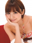 AKB48 篠田麻里子 セクシー ビキニ水着 おっぱいの谷間 顔アップ 頬杖 高画質エロかわいい画像92
