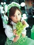 小倉優子 セクシー 咥え マスカット カメラ目線 ロリータファッション 高画質エロかわいい画像72