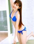AKB48 小嶋陽菜 セクシー 青ローレグビキニ水着 おっぱいの谷間 太もも カメラ目線 高画質エロかわいい画像72