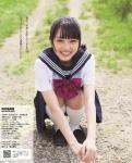 AKB48 向井地美音 セクシー 制服 しゃがみ 女子高生アイドル パンチラ カメラ目線 誘惑 高画質エロかわいい画像5