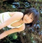 堀北真希 セクシー 前屈み 胸チラ タンクトップ カメラ目線 女優 高画質エロかわいい画像49