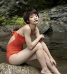 剛力彩芽 セクシー 水着 体育座り 太もも ショートヘア カメラ目線 女優 高画質エロかわいい画像55