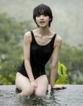 剛力彩芽 セクシー 水着 太もも 濡れている ショートヘア カメラ目線 女優 高画質エロかわいい画像59