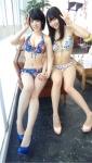 SKE48 梅本まどか 二村春香 セクシー ビキニ水着 おっぱいの谷間 太もも ピース カメラ目線 グラビアザテレビジョン エロかわいい画像2
