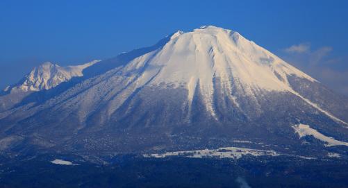 霊峰藤に似た伯耆大山