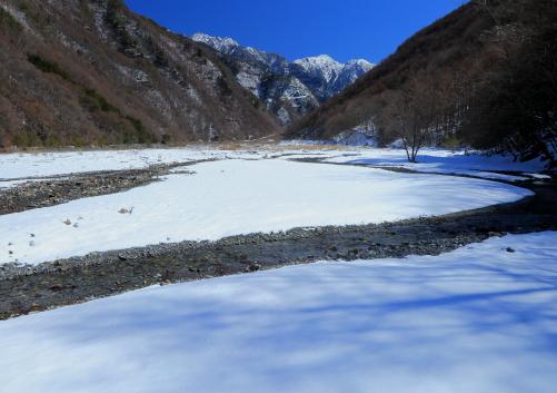 赤河原から望む東駒ヶ岳-2