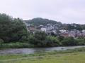 広瀬川から青葉山(成田山)を見上げる