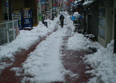 雪のぬかるみ
