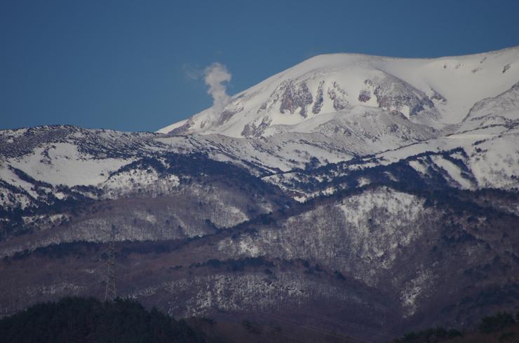 一切経山と噴気