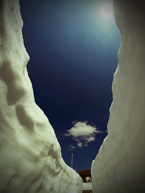 雪の回廊の底から