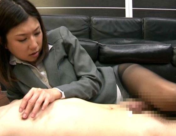 美脚秘書の水希杏がパンストの尻コキ!足コキ!太股コキ!の脚フェチDVD画像4
