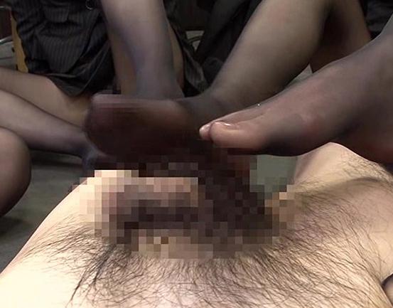 ドエスOLがハイヒールで蒸れ蒸れのパンスト足でパワハラ責めの脚フェチDVD画像4