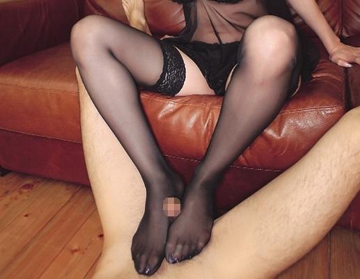 可愛いJKやOLの黒ストッキング美脚で足コキしまくるマニア作品の脚フェチDVD画像6