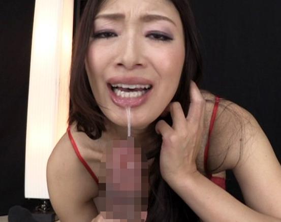 卑猥すぎる小早川怜子がガーターストッキングで痴女責めの脚フェチDVD画像4