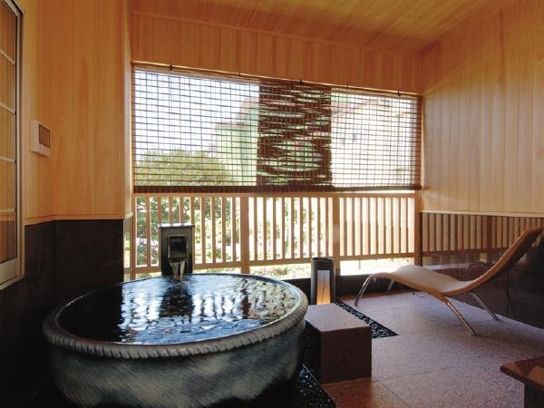卓球もカラオケもできる露天風呂付客室1泊2食付無料ペア宿泊券