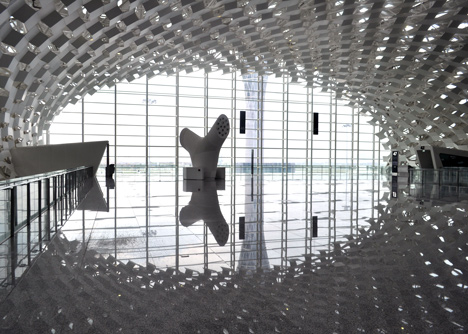 Terminal-3-at-Shenzhen-Baoan-International-Airport-by-Studio-Fuksas_dezeen_13.jpg