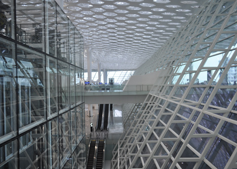Terminal-3-at-Shenzhen-Baoan-International-Airport-by-Studio-Fuksas_dezeen_16.jpg