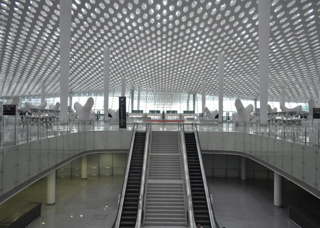 Terminal-3-at-Shenzhen-Baoan-International-Airport-by-Studio-Fuksas_dezeen_18.jpg