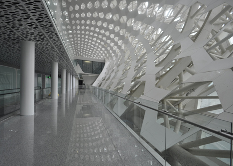 Terminal-3-at-Shenzhen-Baoan-International-Airport-by-Studio-Fuksas_dezeen_4.jpg