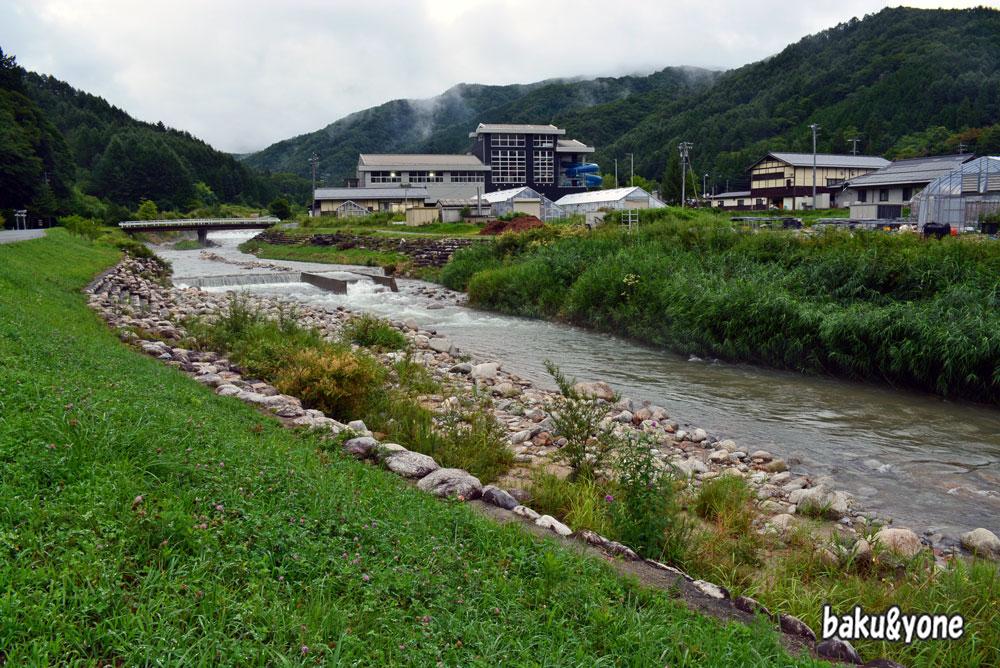 道の駅平谷裏の川