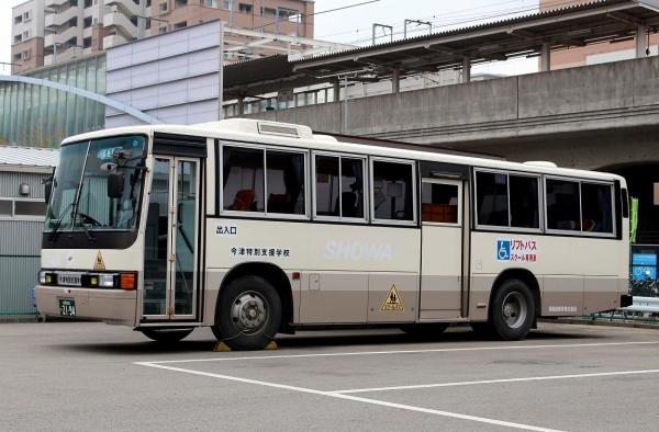 福岡800か2194