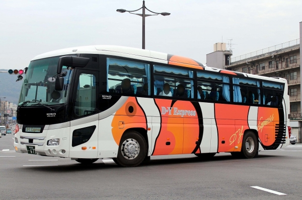 成田200か・673