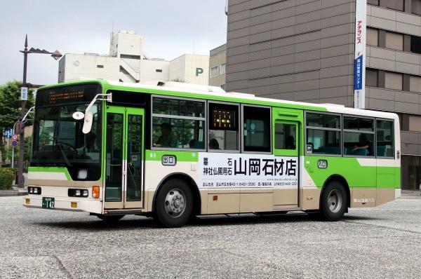 富山230あ・142