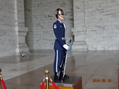 823中正記念堂にも兵隊さんがDSC00484