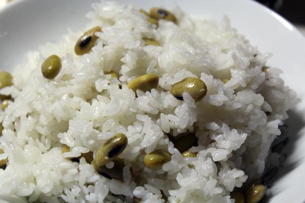 09青大豆ご飯 のコピー