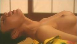 美穂の乳房が