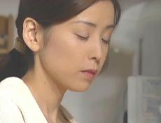 あの夜のことを思い出している凜子