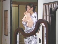 朝風呂から上がってきた凜子